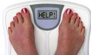 Tomar agua ayuda a bajar de peso