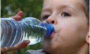 Tomar agua, un hábito saludable que disminuye el sobrepeso en niños