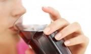 Argentinos incorporan más de 150 mil calorías al año en gaseosas
