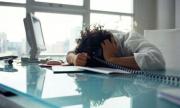 Cada vez más jóvenes padecen de estrés laboral