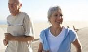 Caminar a paso ligero puede mejorar los síntomas del Parkinson