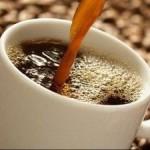 El café cura las enfermedades producidas por el consumo excesivo de alcohol