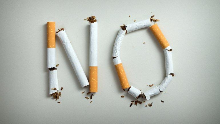 http://www.infobae.com/2016/05/02/1808502-paso-paso-como-cambia-el-cuerpo-cuando-se-deja-fumar