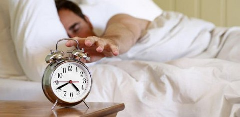 dormir-poco-aumenta-riesgo-acv