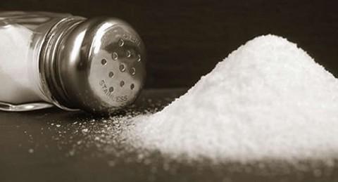 ventajas-comer-menos-sal